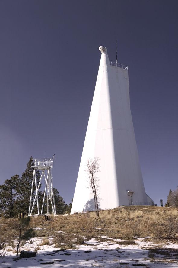 """Résultat de recherche d'images pour """"FBI avait fermé et évacué tous les sites de télescopes solaires"""""""